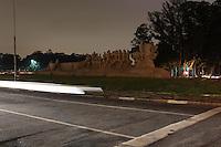 SAO PAULO, SP, 23/03/2013,MONUM. A BANDEIRAS APAGADO. Durante a hora do planeta o Monumento as Bandeiras que fica no Pq do Ibirapuera, tambem foi apagado. LUIZ GUARNIERI/ BRAZIL PHOTO PRESS