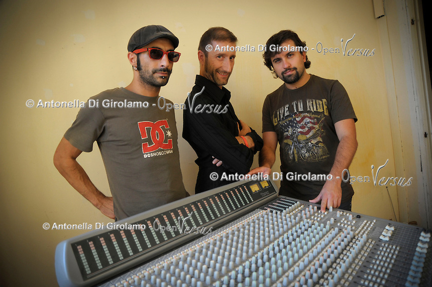 Antonio Ricci, Marco Vincis e Michele Pilla, fondatori di Radio Kaos Italy e Radio Kaos ItaLIS..La redazione di Radio Kaos ItaLIS ,web radio di e per sordi, progetto creato dall'Associazione culturale Radio Kaos Italy..The editorial staff of Radio Kaos ItaLIS, web radio for the deaf, the project created by the Cultural Radio Kaos Italy.