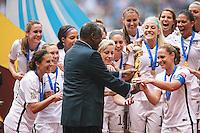 VANCOUVER, CANADÁ, 05.07.2015 - EUA-JAPÃO - Jogadoras dos Estados Unidos comemora apos conquistarem a Copa do Mundo de Futebol Feminino no Estádio BC Place em Vancouver no Canadá neste domingo, 05. (Foto: William Volcov/Brazil Photo Press