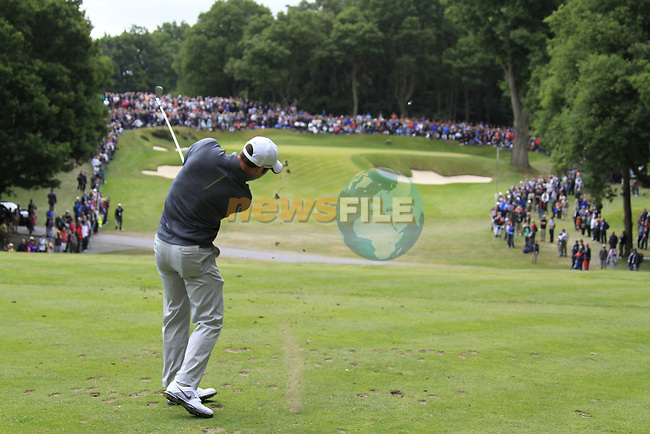 Paul Casey (ENG) tees off on the par3 2nd tee during the Final Day of the BMW PGA Championship Championship at, Wentworth Club, Surrey, England, 29th May 2011. (Photo Eoin Clarke/Golffile 2011)