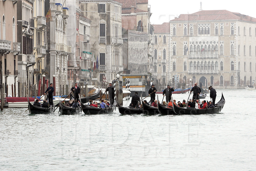 Gondole sul Canal Grande a Venezia.<br /> Gondolas on the Grand Canal in Venice.<br /> UPDATE IMAGES PRESS/Riccardo De Luca