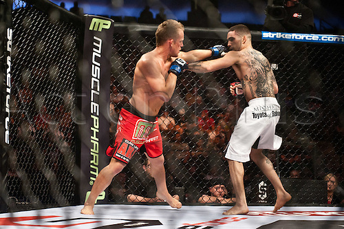24.06.2011, Washinton, USA.   Caros Fodor, right, squared off in the cage against James Terry during the STRIKEFORCE Challengers at the ShoWare Center in Kent, Washington. Fodor, a Washington native, won the fight in a unanimous decision.