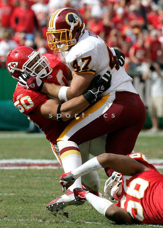Chris Cooley, of the Washington Redskins, during their game against the  Kansas City Chiefs on October 16, 2005...Chiefs win 28-21..Dilip Vishwanat / SportPics