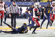 Morgantown, WV - November 19, 2016: Oklahoma Sooners wide receiver Dede Westbrook (11) catches a pass during game between Oklahoma and WVU at  Mountaineer Field at Milan Puskar Stadium in Morgantown, WV.  (Photo by Elliott Brown/Media Images International)