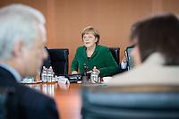 Berlin,  Bundeskanzlerin Angela Merkel (CDU) (m.), zu Beginn der Kabinettssitzung, Kanzleramt, Deutschland - April 17. (Photo by Maja Hitij/commonlens)