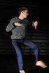 DIGESTED NOISE DIGESTED NOISE<br /> <br /> Chorégraphe : Daniel Linehan<br /> Danse : Daniel Linehan<br /> Compagnie : <br /> Lieu : Théâtre des Abbesses<br /> Ville : Paris<br /> Date : 04/11/2013