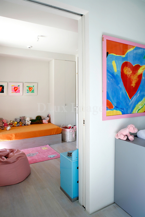 The apartment of 160 sq.m.is located on the sixth floor of a building that was built in the 50's in Athens, Greece. It has been renovated so as  to fulfill the needs of  a family with five members .The desire of the owners - a young couple with a great sense of elegance - was to modernize the rooms with less architectural interventions.