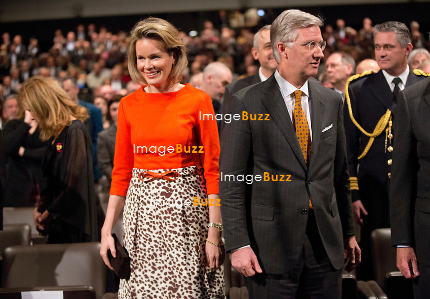 Le roi Philippe de Belgique, la reine Mathilde de Belgique, le roi Albert II de Belgique, la reine Paola de Belgique, La Princesse Astrid de Belgique et le Prince Lorenz de Belgique assistent au 150e anniversaire de la Croix Rouge, au Square,  &agrave; Bruxelles.<br /> Belgique, Bruxelles, 5/02/2014.<br /> King Philippe of Belgium, Queen Mathilde of Belgium, King Albert II of Belgium, Queen Paola of Belgium, Princess Astrid of Belgium and Prince Lorenz of Belgium attend an academic session for the 150th Anniversary of the Belgian Red Cross, at the Square in Brussels.<br /> Belgium, Brussels, February 5, 2014.<br /> PIC :  Queen Mathilde of Belgium &amp; King Philippe of Belgium