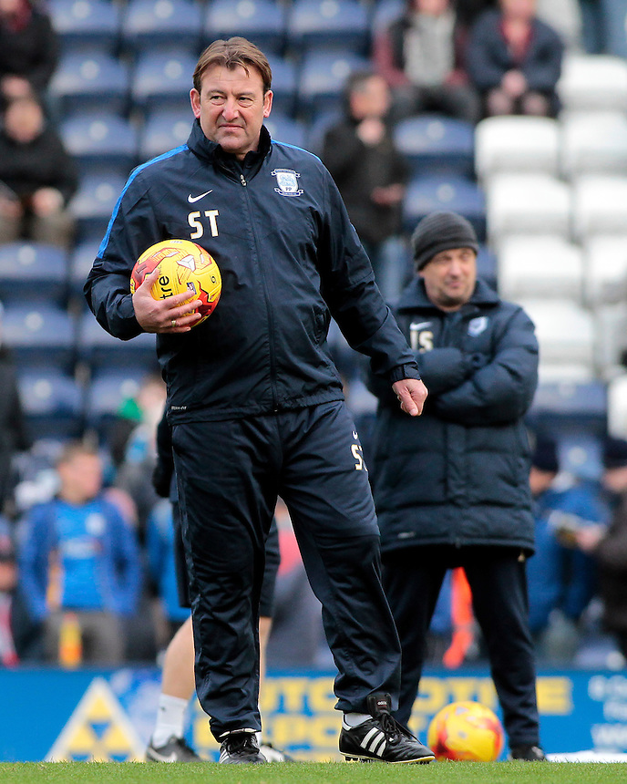 Preston North End's First Team Coach Steve Thompson looks on during the pre-match warm-up <br /> <br /> Photographer David Shipman/CameraSport<br /> <br /> Football - The Football League Sky Bet Championship - Preston North End v Blackburn Rovers - Saturday 21st November 2015 - Deepdale - Preston <br /> <br /> &copy; CameraSport - 43 Linden Ave. Countesthorpe. Leicester. England. LE8 5PG - Tel: +44 (0) 116 277 4147 - admin@camerasport.com - www.camerasport.com