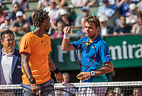 Paris, France, 5 June, 2017, Tennis, French Open, Roland Garros,  Gael Monfils (FRA) (L) in discussion over a linecall with his opponent Stan Wawrinka (SUI)<br /> Photo: Henk Koster/tennisimages.com