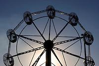 Ouvidor_GO, Brasil...Roda gigante em um parque de diversoes...Ferris wheel at an amusement park...Foto: MARCUS DESIMONI / NITRO.