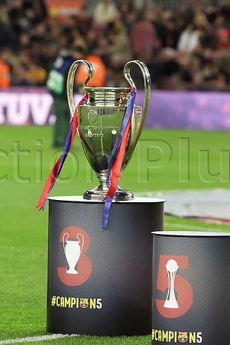30.12.2015. Nou Camp, Barcelona, Spain. La Liga. Barcelona versus Real Betis. Champions league trophy on display by Barcelona
