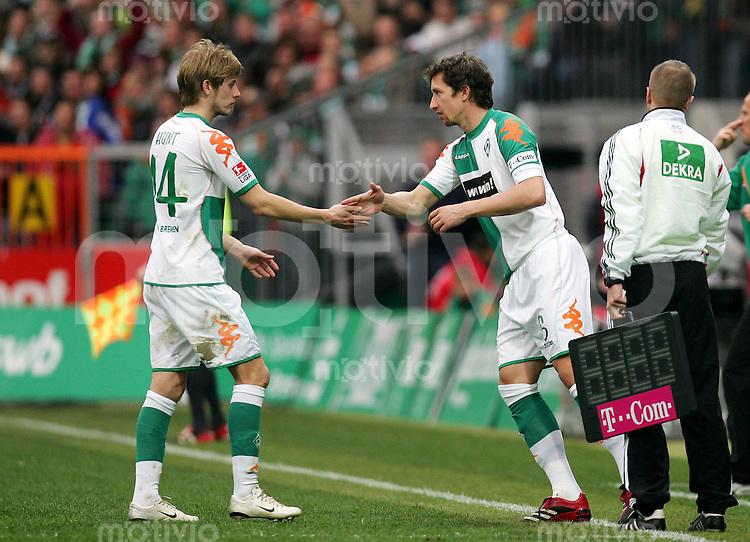 Fussball Bundesliga SV Werder Bremen - 1. FC Nuernberg Frank BAUMANN (r) wird fuer Aaron HUNT (SVW) eingewechselt, Einwechslung.
