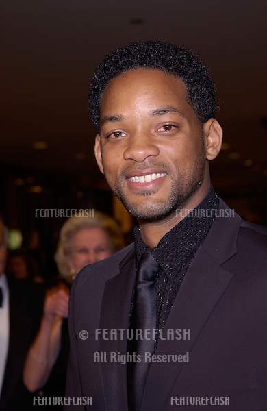 Actor WILL SMITH at the 54th Annual Directors Guild Awards in Beverly Hills..09MAR2002. © Paul Smith / Featureflash