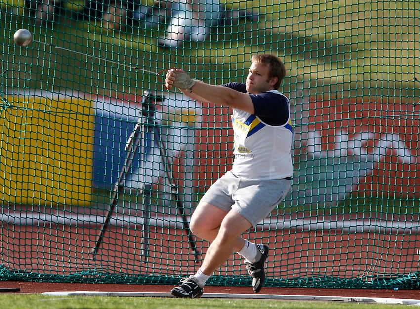 Photo: Richard Lane/Richard Lane Photography..Aviva World Trials & UK Championships athletics. 10/07/2009. Roger Bate in the men's hammer..