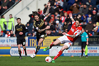 Rotherham United v Nottingham Forest, 16.4.2016<br /> Sky Bet Championship<br /> Picture Shaun Flannery/Trevor Smith Photography<br /> Forest's Henri Lansbury battles with Rotherham's Greg Halford.