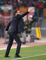 Roma s coach Eusebio Di Francesco gestures to his players during the Uefa Champions League quarter final second leg football match between AS Roma and FC Barcelona at Rome's Olympic stadium, April 10, 2018.<br /> UPDATE IMAGES PRESS/Riccardo De Luca