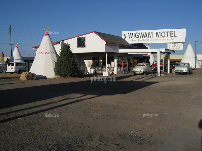 Wigwam Motel Holbrook AZ morning of 24 March 2008.
