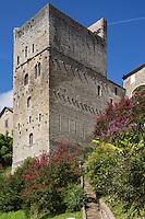 France, Aquitaine, Pyrénées-Atlantiques, Béarn, Sauveterre-de-Béarn:  Tour Monréal //  France, Pyrenees Atlantiques, Bearn, Sauveterre de Béarn : Monreal tower