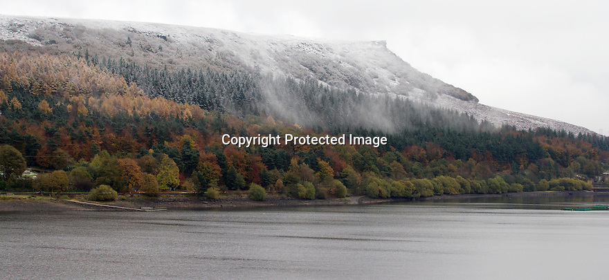 10/11/16<br /> Autumn meets winter as wonderful seasonal colours are tinged with white snow and ice on Ladybower Reservoir in the Derbyshire Peak District, <br /> <br /> All Rights Reserved F Stop Press Ltd. (0)1773 550665   www.fstoppress.com