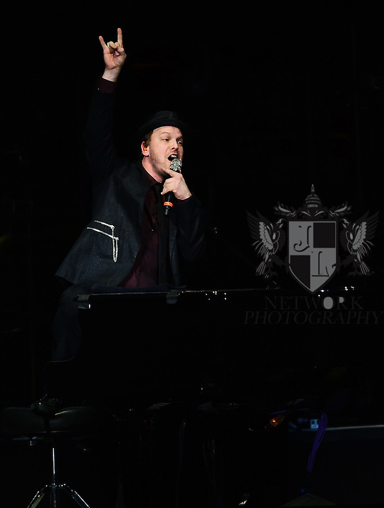 SUNRISE, FL - JANUARY 07: Gavin DeGraw performs as the opening act for Billy Joel at BB&T Center on January 7, 2014 in Sunrise, Florida. (Photo by Johnny Louis/jlnphotography.com)