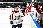 Stockholm 2014-01-08 Ishockey SHL AIK - Lule&aring; HF :  <br />  Lule&aring;s Chris Abbott jublar med lagkamrater efter att Lule&aring;s Daniel Gunnarsson gjort 1-0<br /> (Foto: Kenta J&ouml;nsson) Nyckelord:  jubel gl&auml;dje lycka glad happy portr&auml;tt portrait
