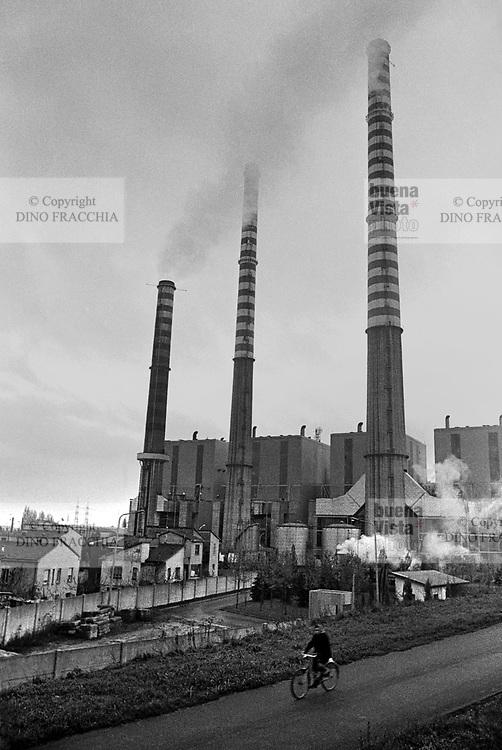 - electrothermal power station of Revere-Ostiglia (1978)....- centrale elettrotermica di Revere-Ostiglia (1978)