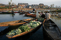Floating vegetable market. Srinagar, Kashmir, India. © Fredrik Naumann/Felix Features