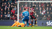 Callum Wilson of AFC Bournemouth scores a goal 1 1 during the Premier League match between Bournemouth and Arsenal at the Goldsands Stadium, Bournemouth, England on 14 January 2018. Photo by Andy Rowland.