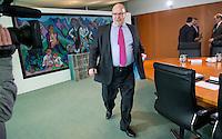 Berlin, Bundesumweltminister Peter Altmaier (CDU) kommt am Mittwoch (24.04.13) zur Sitzung des Bundeskabinetts im Kanzleramt.