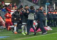 FUSSBALL  1. BUNDESLIGA  SAISON 2015/2016  24. SPIELTAG FC Bayern Muenchen - 1. FSV Mainz 05       02.03.2016 Trainer Martin Schmidt (re) jubelt nach dem Abpfiff mit Giulio Donati (li, beide 1. FSV Mainz 05)