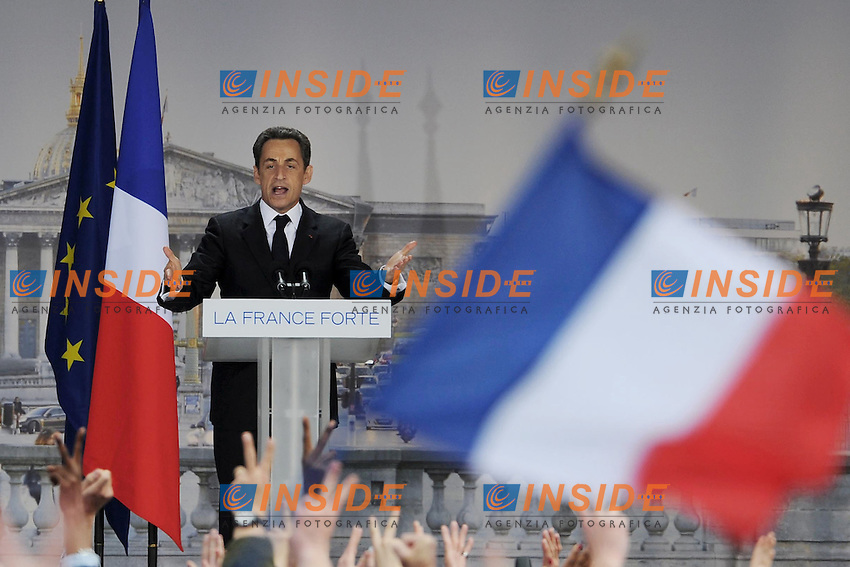 Il Presidente in carica  Nicolas Sarkozy .15/04/2012 Parigi, Place De La Concorde, Meeting del Partito UMP Unione per un Movimento Popolare, in vista delle prossime elezioni presidenziali del 2012..Foto Insidefoto /Christian Liewig / Panoramic.ITALY ONLY...