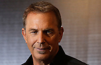 L'attore statunitense Kevin Costner posa durante un photocall per la presentazione del film 'Criminal' a Roma, 8 aprile 2016.<br />