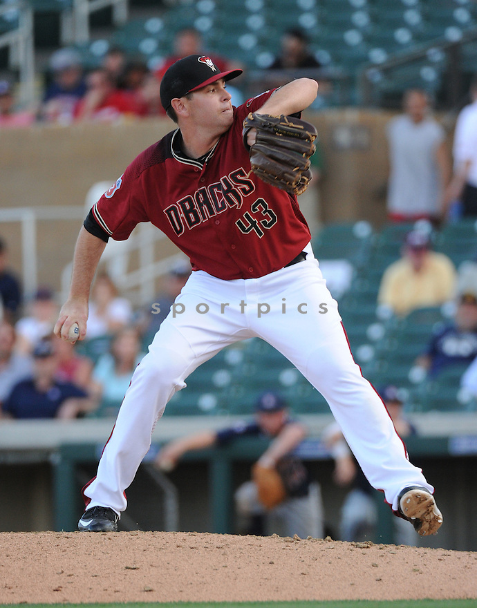 Arizona Diamondbacks Tim Stauffer (43) during a preseason game against the Arizona Wildcats on March 1, 2016 at Salt River Fields at Talking Stick in Scottsdale, AZ. The Diamondbacks beat the Wildcats 5-12..