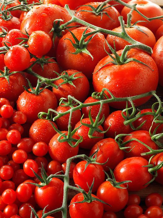 Mixed beefsteak, cheery, plum & tom tom vive tomatoes