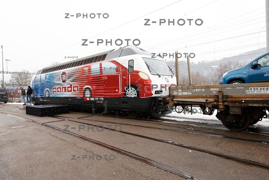 Die neue Lok Re 460 001 der SBB macht Werbung für den neuen FIAT-panda anlaesslich der Loktaufe am 14. Februar 2012 in Baden..Zvonimir Pisonic Copyright © 2011 SBB CFF FFS