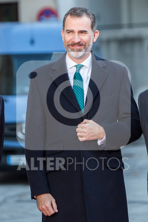 Felipe VI of Spain (C) are seen ahead of a meeting with the Presidents of 17 autonomous governments at the Senate in Madrid, January  17, 2017. (ALTERPHOTOS/Rodrigo Jimenez)