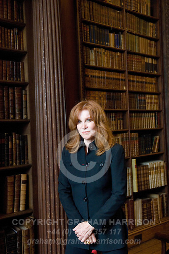 Stephanie Powers in Christ Church Library during the Sunday Times Oxford Literary Festival, UK, 2-10 April 2011. <br />