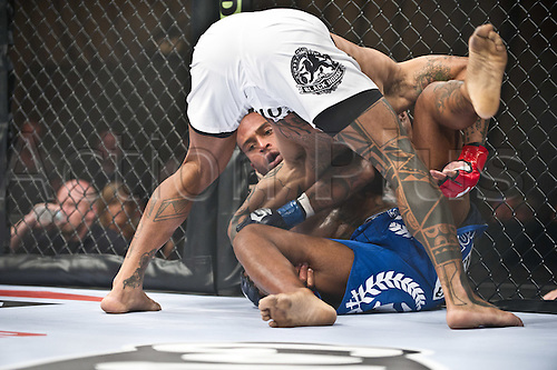 24.06.2011, Washinton, USA.   Eduardo Pamplona attempts to pin Jerron Peoples during the STRIKEFORCE Challengers at the ShoWare Center in Kent, Washington. Pamplona knocked Peoples out in the first round.