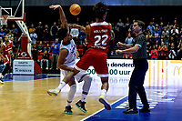 GRONINGEN - Basketbal, Donar - Benfica, voorronde Chamions League, seizoen 2019-2020, 20-09-2019, Donar speler Carrington Love en Benfica speler Arnette Hallman