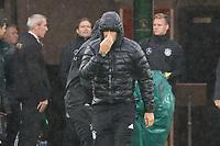 Bundestrainer Joachim Loew (Deutschland Germany) erkaeltet im Regen von Belfast - 04.10.2017: Deutschland Abschlusstraining, Windsor Park Belfast