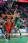 League ACB-ENDESA 2017/2018. Game: 30.<br /> Divina Seguros Joventut vs Valencia Baket Club: 77-75.<br /> Aaron Doomekamp vs Simon Birgander.