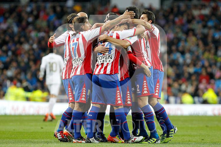 Sporting de Gijon's players celebrate goal during La Liga match.April 14,2012. (ALTERPHOTOS/Acero)