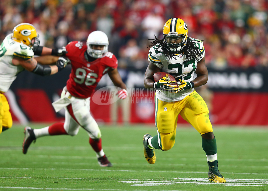Dec 27, 2015; Glendale, AZ, USA; Green Bay Packers running back Eddie Lacy (27) against the Arizona Cardinals at University of Phoenix Stadium. The Cardinals defeated the Packers 38-8. Mandatory Credit: Mark J. Rebilas-USA TODAY Sports