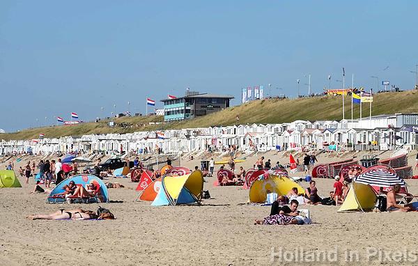Nederland  Zandvoort - 8 juli 2018.  Zonnen in Zandvoort aan Zee.     Foto Berlinda van Dam /  Hollandse Hoogte