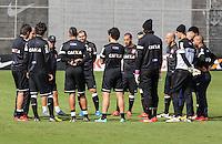 SAO PAULO, SP, 04 JUNHO DE 2013 - TREINO DO CORINTHIANS - jogadores do Corinthians durante treino na manha desta terca-feira, 04 no CT Joaquim Grava regiao leste da cidade de Sao Paulo. FOTO: VANESSA CARVALHO - BRAZIL PHOTO PRESS.