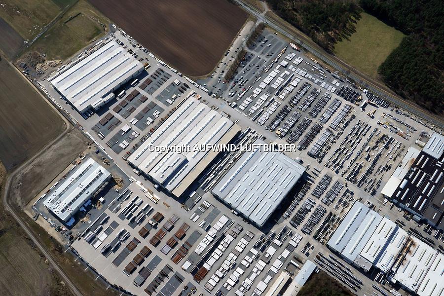 Butting: EUROPA, DEUTSCHLAND, NIEDERSACHSEN, KNESEBEcK(EUROPE, GERMANY), 06.04.2018: Im nieders&auml;chsischen Knesebeck / Kreis Gifhorn befindet sich die  Firma BUTTING.<br /> Das Werksgel&auml;nde ist  490 000 m&sup2;, j&auml;hrlich werden mehr als 80 000 t nicht rostende St&auml;hle und plattierte St&auml;hle verarbeitet.<br /> <br /> Heute ist BUTTING einer der gr&ouml;&szlig;ten Arbeitgeber in der Region. Mehr als 1 300 Mitarbeiter sind im Knesebecker Werk t&auml;tig.<br /> Der Schwerpunkt der T&auml;tigkeiten in Knesebeck liegt in der Fertigung l&auml;ngsnahtgeschwei&szlig;ter Rohre aus Band und Blech, der Weiterverarbeitung zu einbaufertigen Rohrkomponenten im Rahmen umfassender Vorfertigungskapazit&auml;ten und in der Rohrtechnik.