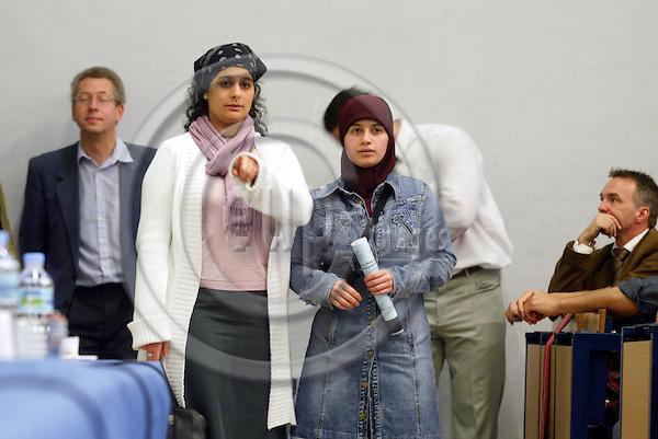 BRUSSELS - BELGIUM - 03 MAY 2005 --Debate on Muslims in the West and Islamic revival in the Muslim world at Universite Libre de Bruxelles.-- PHOTO: ERIK LUNTANG / EUP-IMAGES..