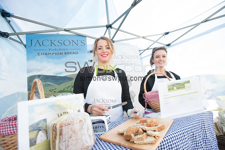 Picture by Allan McKenzie/SWpix.com - 23/08/2016 - Cricket - Specsavers County Championship - Yorkshire County Cricket Club v Nottinghamshire County Cricket Club - North Marine Road, Scarborough, England - Jackson's bread, branding.