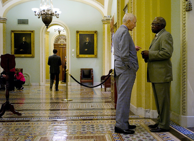 WASHINGTON, DC - Sept. 17: Sen. Orrin G. Hatch, R-Utah, and House Majority Whip James E. Clyburn, D-S.C., talk near the Senate chamber. (Photo by Scott J. Ferrell/Congressional Quarterly)